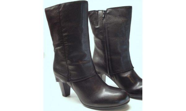 Clarks medium boots KNITTING YARN black leather