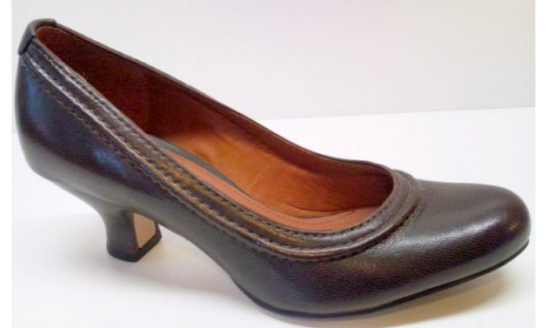 Clarks APPLE ODE brown leather pumps for women