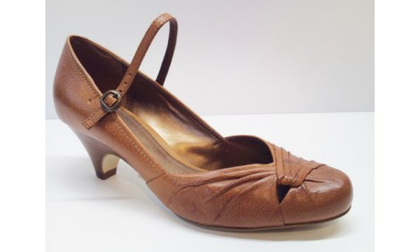 Clarks pumps BLOSSOM PETAL tan leather