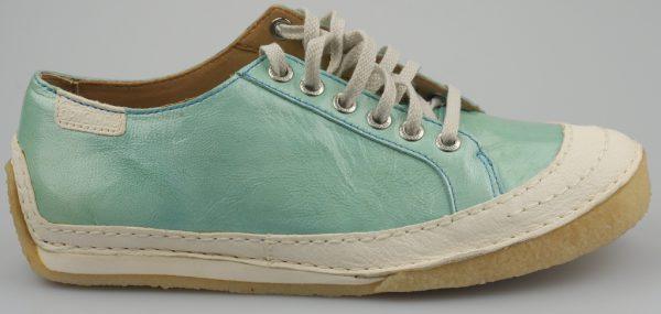 Clarks Originals STREET CHIC light blue patent leather