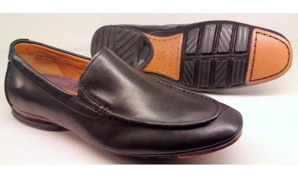 Clarks GEAR TRACK Men's Slip-on - Black
