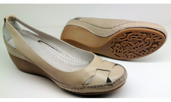 Clarks wedges pumps GENTLE SEA off white leather