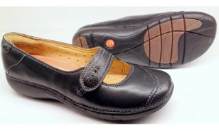 Clarks UNSTRUCTURED UN POEM black leather slip-on shoes for women