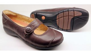Clarks UNSTRUCTURED UN POEM brown leather slip-on shoes for women