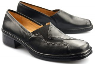 Gabor pumps 22.046.57 black leather       WIDE FIT