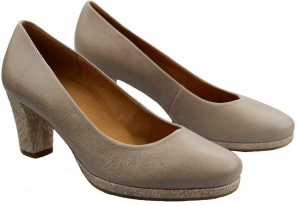 Gabor pumps 22.190.24 beige leather