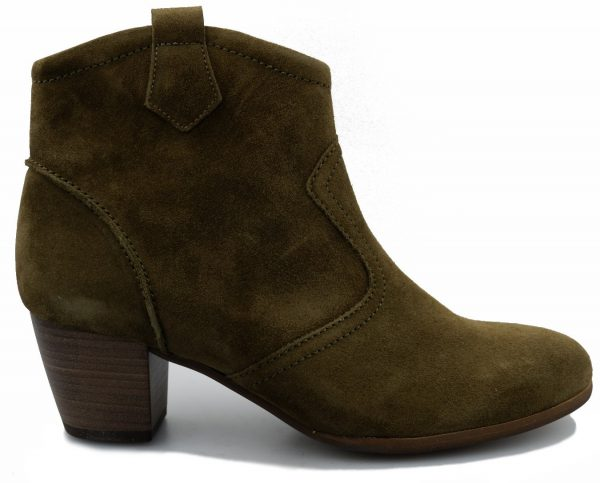 Gabor 72.731.33 olive green suede